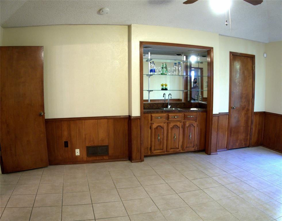 9926 Chimney Hill  Lane, Dallas, Texas 75243 - acquisto real estate best realtor dallas texas linda miller agent for cultural buyers