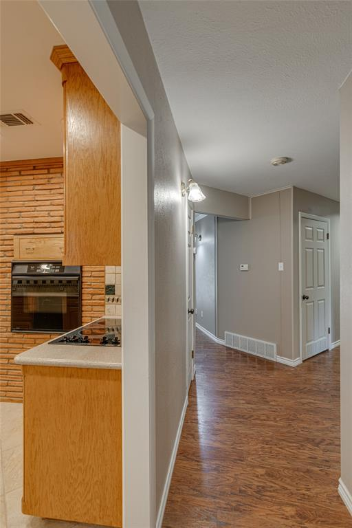22 Shadowbrook  Lane, Hurst, Texas 76053 - acquisto real estate best the colony realtor linda miller the bridges real estate