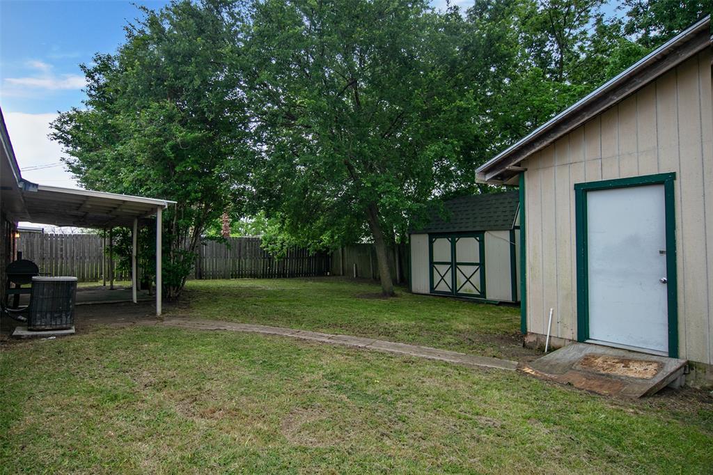 1737 Northwood  Boulevard, Corsicana, Texas 75110 - acquisto real estate best park cities realtor kim miller best staging agent