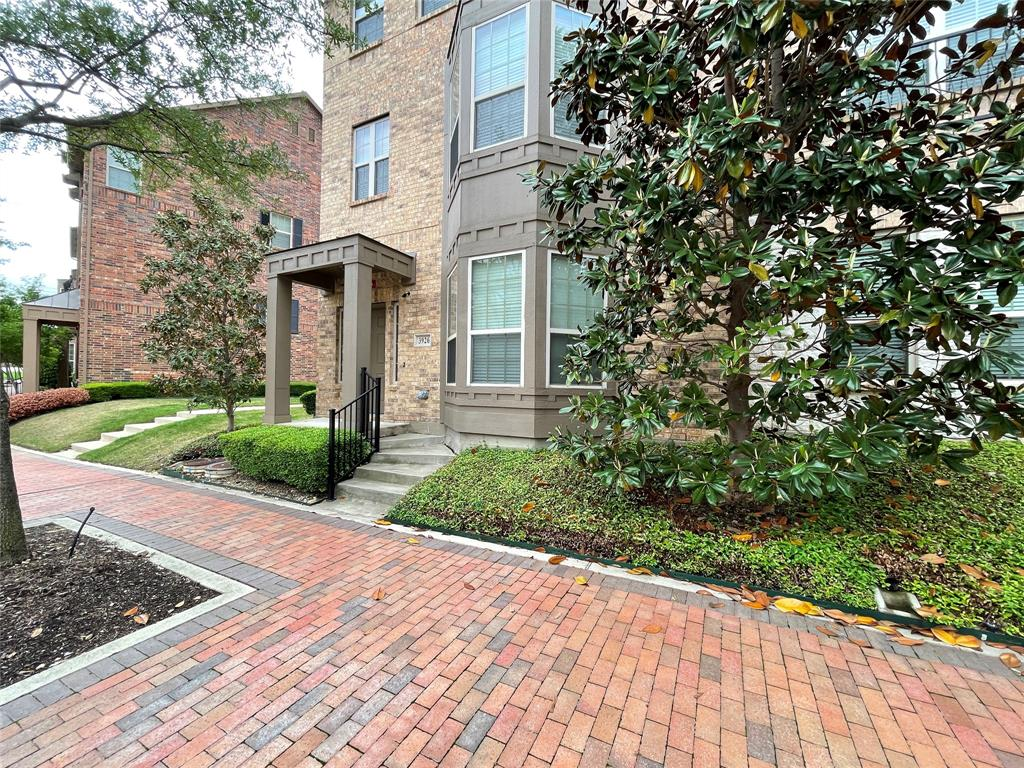3926 Asbury  Lane, Addison, Texas 75001 - acquisto real estate best allen realtor kim miller hunters creek expert