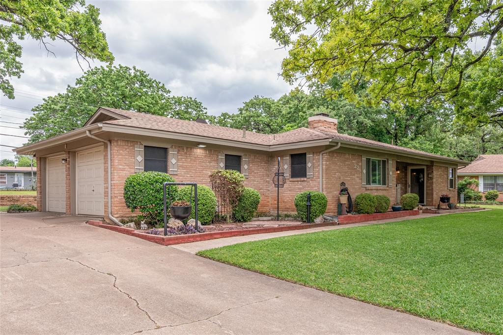 22 Shadowbrook  Lane, Hurst, Texas 76053 - Acquisto Real Estate best mckinney realtor hannah ewing stonebridge ranch expert