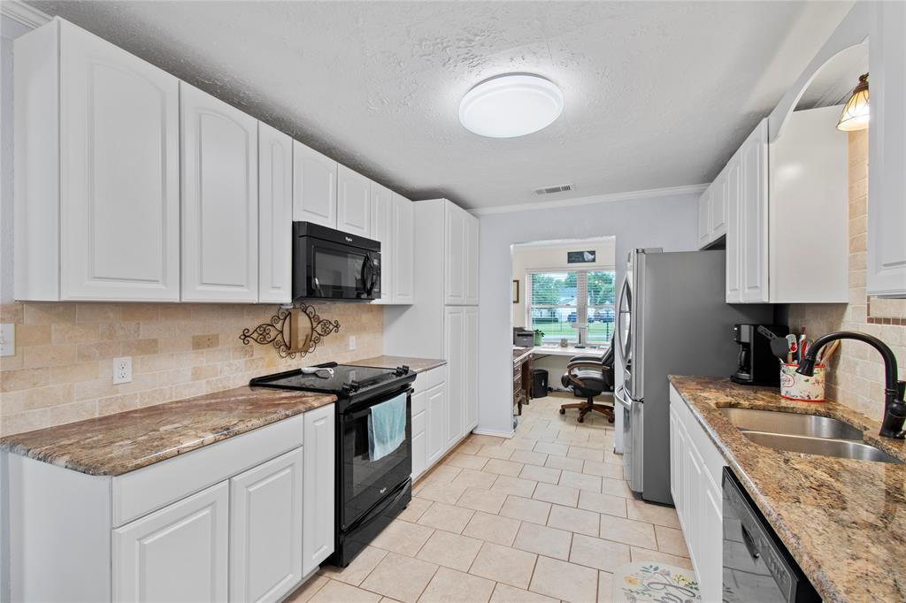 104 Lilac  Lane, Gun Barrel City, Texas 75156 - acquisto real estate best highland park realtor amy gasperini fast real estate service