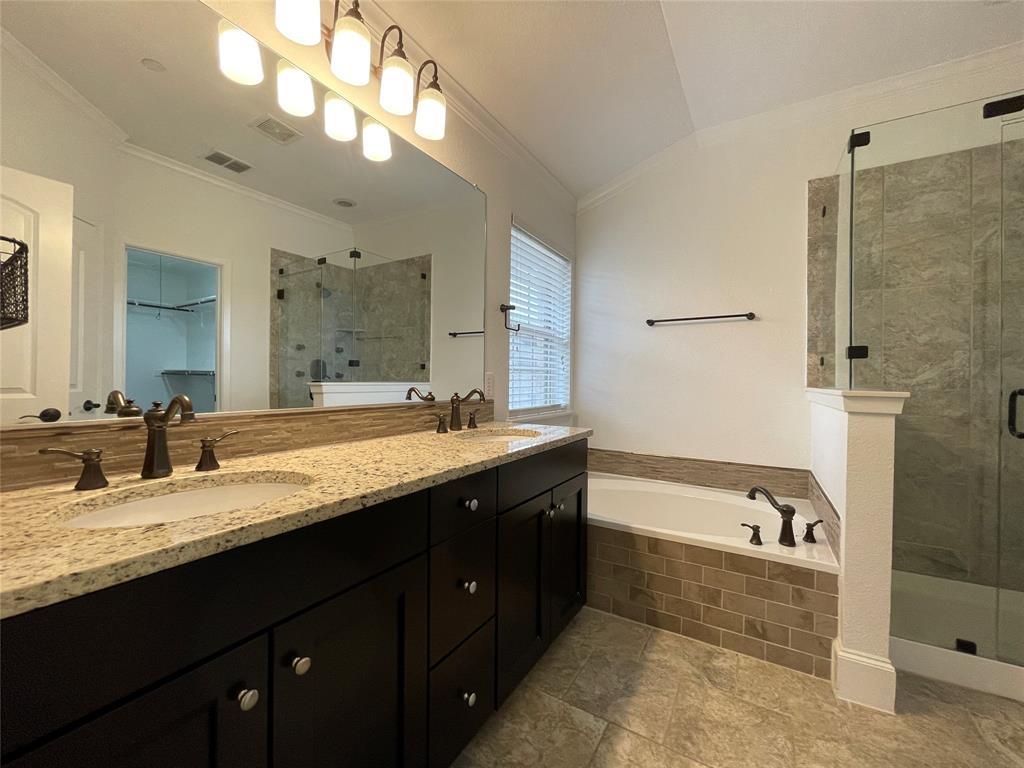 3926 Asbury  Lane, Addison, Texas 75001 - acquisto real estate best realtor foreclosure real estate mike shepeherd walnut grove realtor