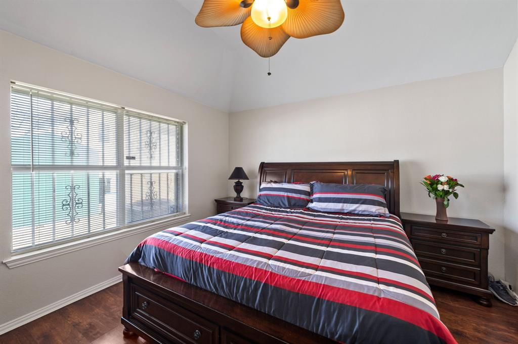 925 Bessie  Street, Fort Worth, Texas 76104 - acquisto real estate best designer and realtor hannah ewing kind realtor