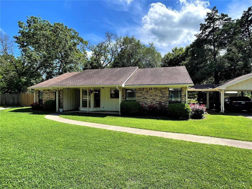 563 Ferndale  Lane, Fairfield, Texas 75840 - Acquisto Real Estate best plano realtor mike Shepherd home owners association expert