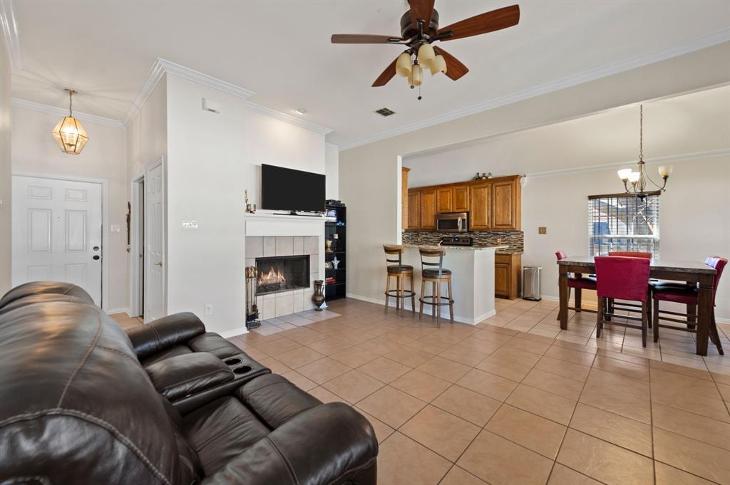 925 Bessie  Street, Fort Worth, Texas 76104 - acquisto real estate best celina realtor logan lawrence best dressed realtor