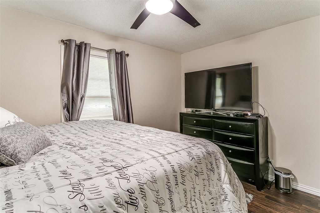 2214 Ridgeway  Street, Arlington, Texas 76010 - acquisto real estate best realtor dallas texas linda miller agent for cultural buyers