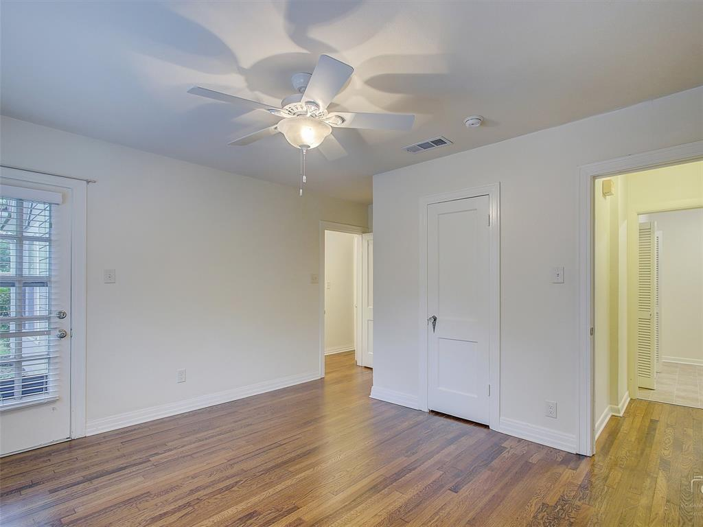 1009 Avenue F  Avenue, Garland, Texas 75040 - acquisto real estaet best boutique real estate firm in texas for high net worth sellers