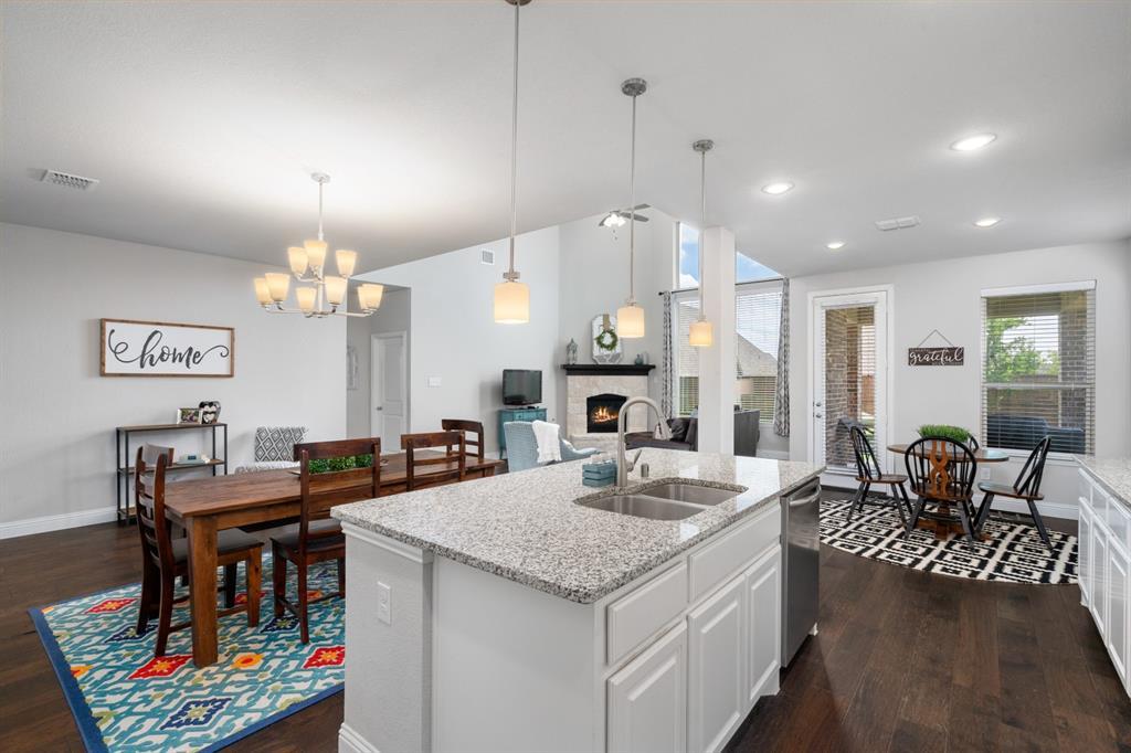 1425 Bird Cherry  Lane, Celina, Texas 75078 - acquisto real estate best designer and realtor hannah ewing kind realtor