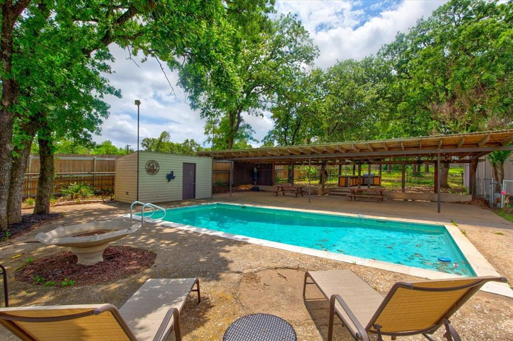 1112 Cooks  Lane, Fort Worth, Texas 76120 - acquisto real estate best photo company frisco 3d listings