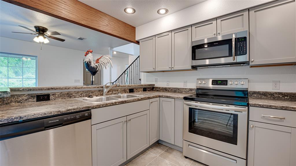 921 Bradleys  Bend, Tool, Texas 75143 - acquisto real estate best photos for luxury listings amy gasperini quick sale real estate