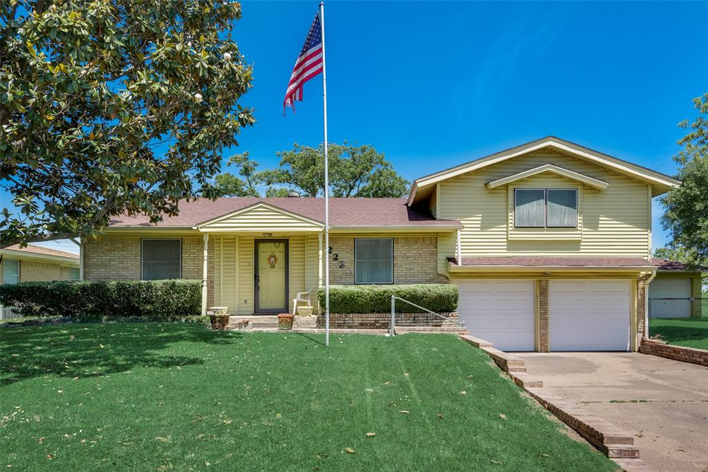 2220 Mayfair  Street, Ennis, Texas 75119 - Acquisto Real Estate best plano realtor mike Shepherd home owners association expert