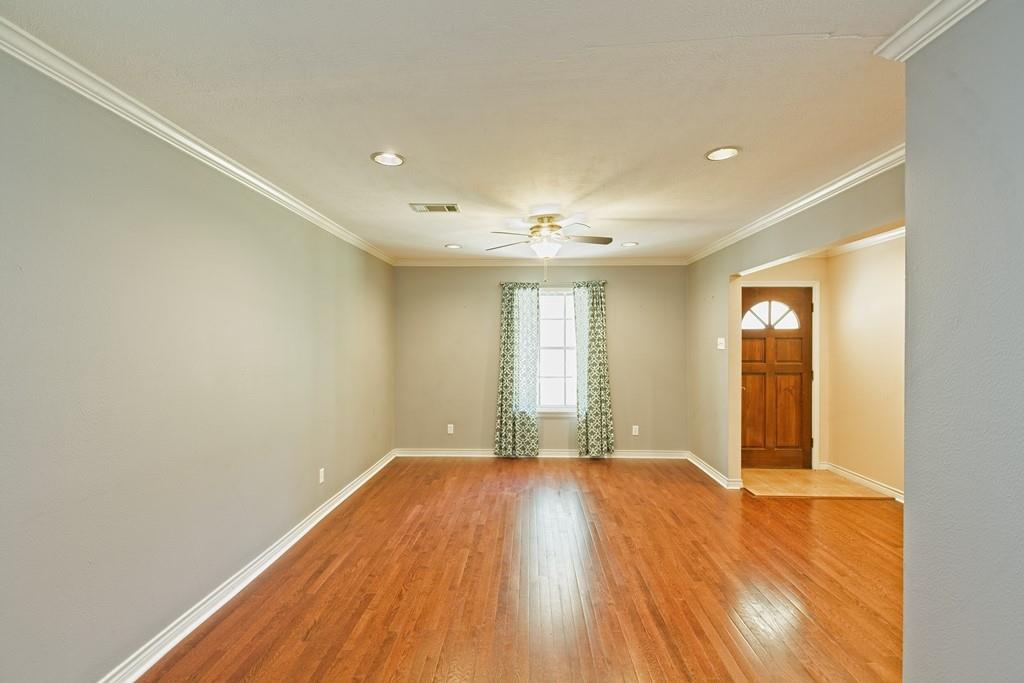 8635 Shagrock  Lane, Dallas, Texas 75238 - acquisto real estate best highland park realtor amy gasperini fast real estate service