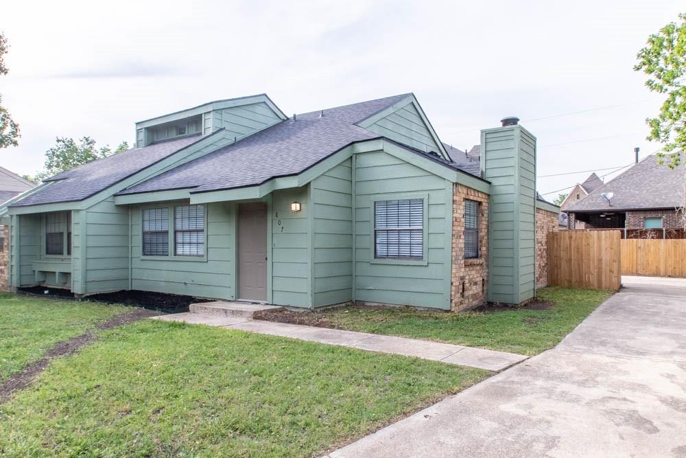 807 Windcrest  Drive, Keller, Texas 76248 - acquisto real estate best realtor foreclosure real estate mike shepeherd walnut grove realtor