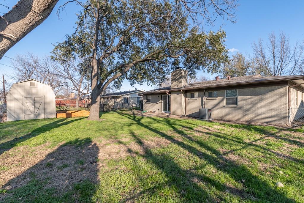 13903 Pyramid  Drive, Farmers Branch, Texas 75234 - acquisto real estate best listing agent in the nation shana acquisto estate realtor