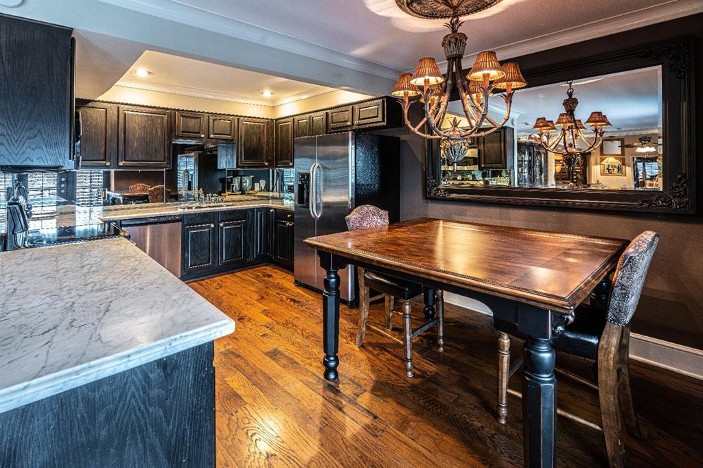 10209 Regal Oaks  Drive, Dallas, Texas 75230 - acquisto real estate best prosper realtor susan cancemi windfarms realtor