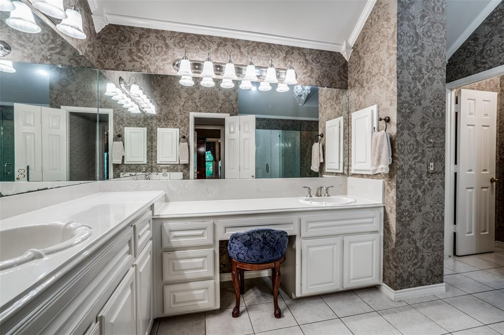2209 Creekside  Circle, Irving, Texas 75063 - acquisto real estate best style realtor kim miller best real estate reviews dfw