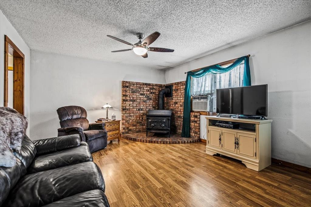 732 County Road 4797  Springtown, Texas 76082 - acquisto real estate best the colony realtor linda miller the bridges real estate
