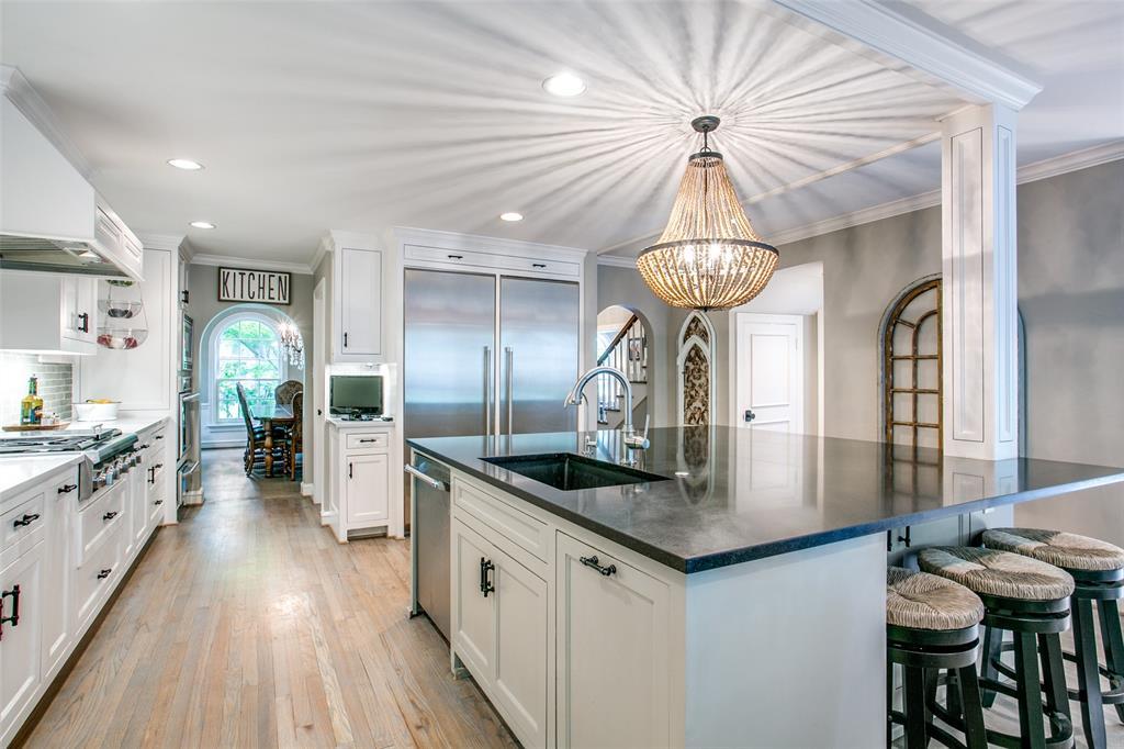6738 Avalon  Avenue, Dallas, Texas 75214 - acquisto real estate best real estate company to work for