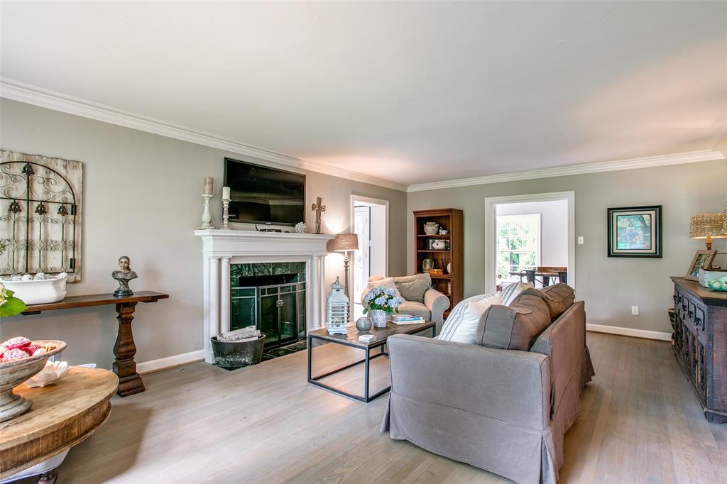 6738 Avalon  Avenue, Dallas, Texas 75214 - acquisto real estate best highland park realtor amy gasperini fast real estate service