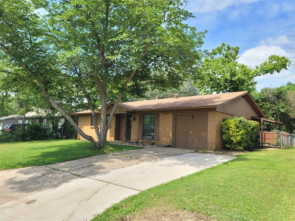 3909 Titan  Trail, Denton, Texas 76209 - Acquisto Real Estate best plano realtor mike Shepherd home owners association expert