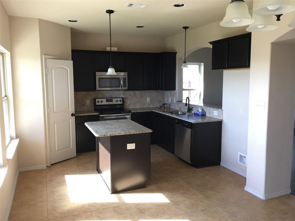 5003 Sanger Circle  Drive, Sanger, Texas 76266 - acquisto real estate best allen realtor kim miller hunters creek expert