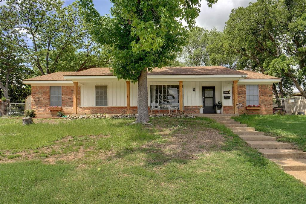 1210 Capetown  Drive, Grand Prairie, Texas 75050 - Acquisto Real Estate best plano realtor mike Shepherd home owners association expert