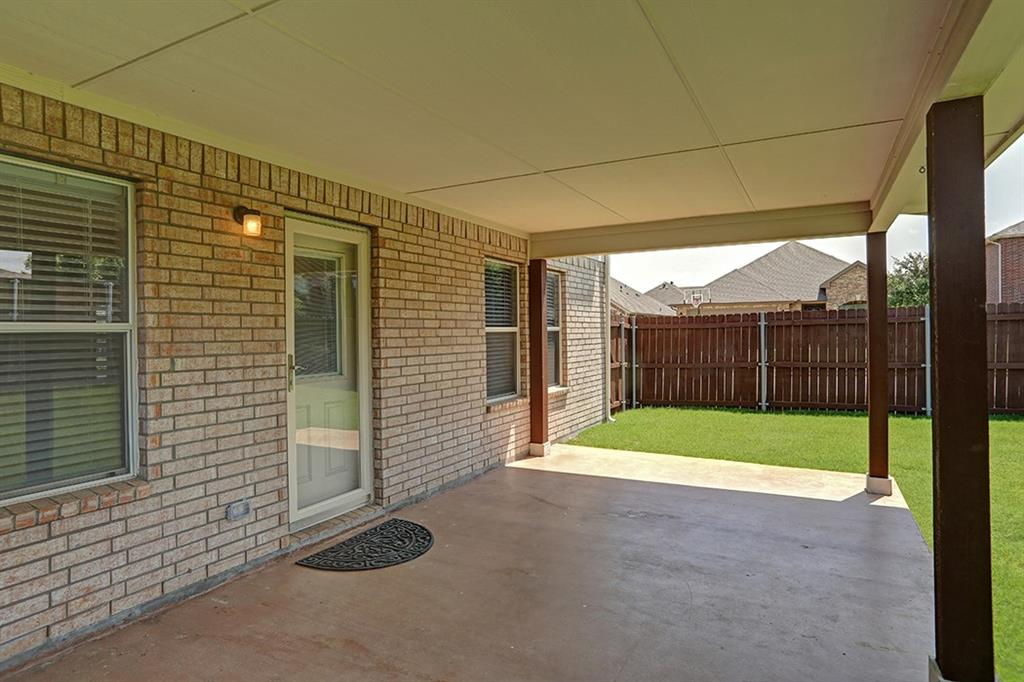 1316 Water Lily  Drive, Little Elm, Texas 75068 - acquisto real estate best realtor foreclosure real estate mike shepeherd walnut grove realtor
