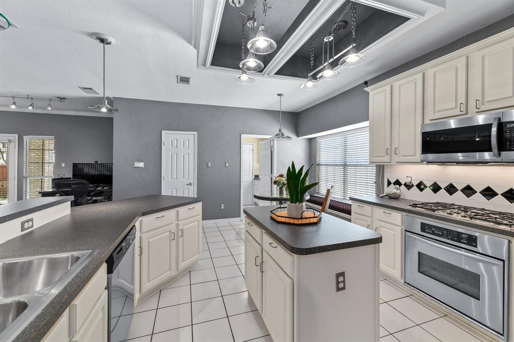 2311 Norwich  Drive, Carrollton, Texas 75006 - acquisto real estate best real estate company in frisco texas real estate showings