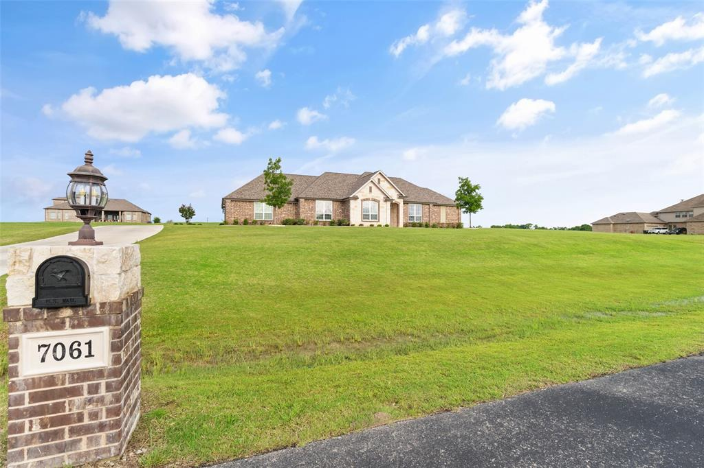 7061 Whispering Oaks  McKinney, Texas 75071 - acquisto real estate best negotiating realtor linda miller declutter realtor