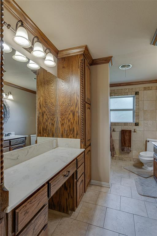 22 Shadowbrook  Lane, Hurst, Texas 76053 - acquisto real estate best frisco real estate broker in texas for high net worth buyers