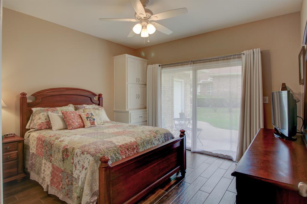 115 Kiowa  Drive, Lake Kiowa, Texas 76240 - acquisto real estate best realtor foreclosure real estate mike shepeherd walnut grove realtor