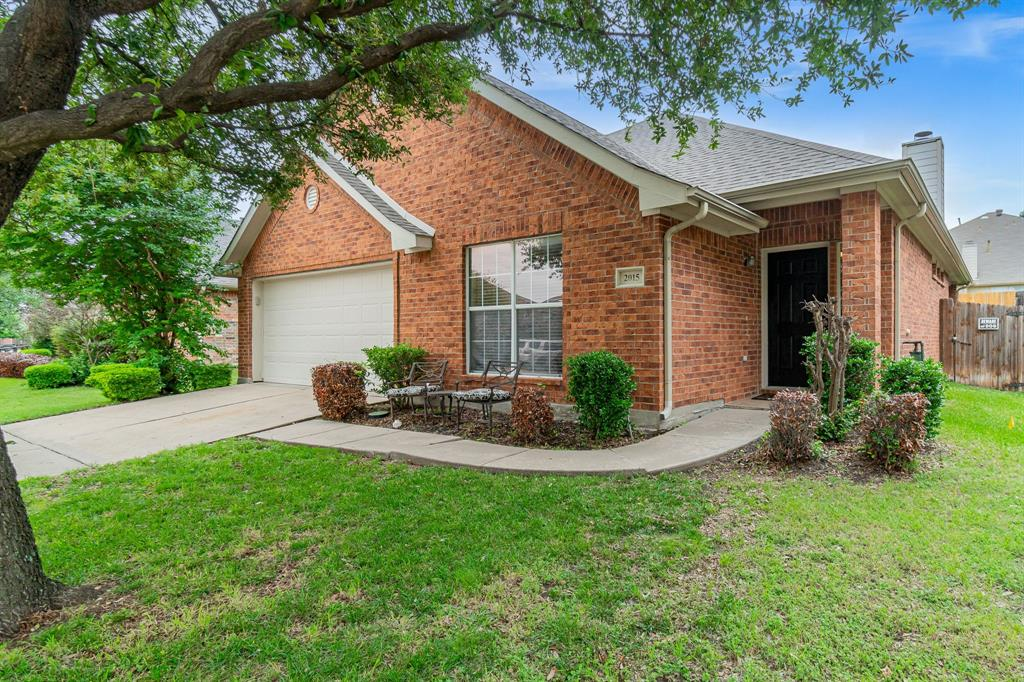 2015 Michelle Creek  Drive, Little Elm, Texas 75068 - Acquisto Real Estate best plano realtor mike Shepherd home owners association expert