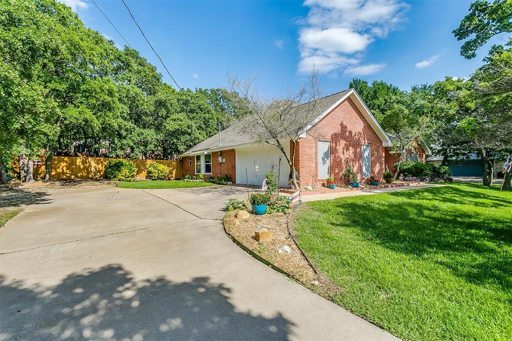 532 Forest Edge  Street, Burleson, Texas 76028 - acquisto real estate best prosper realtor susan cancemi windfarms realtor