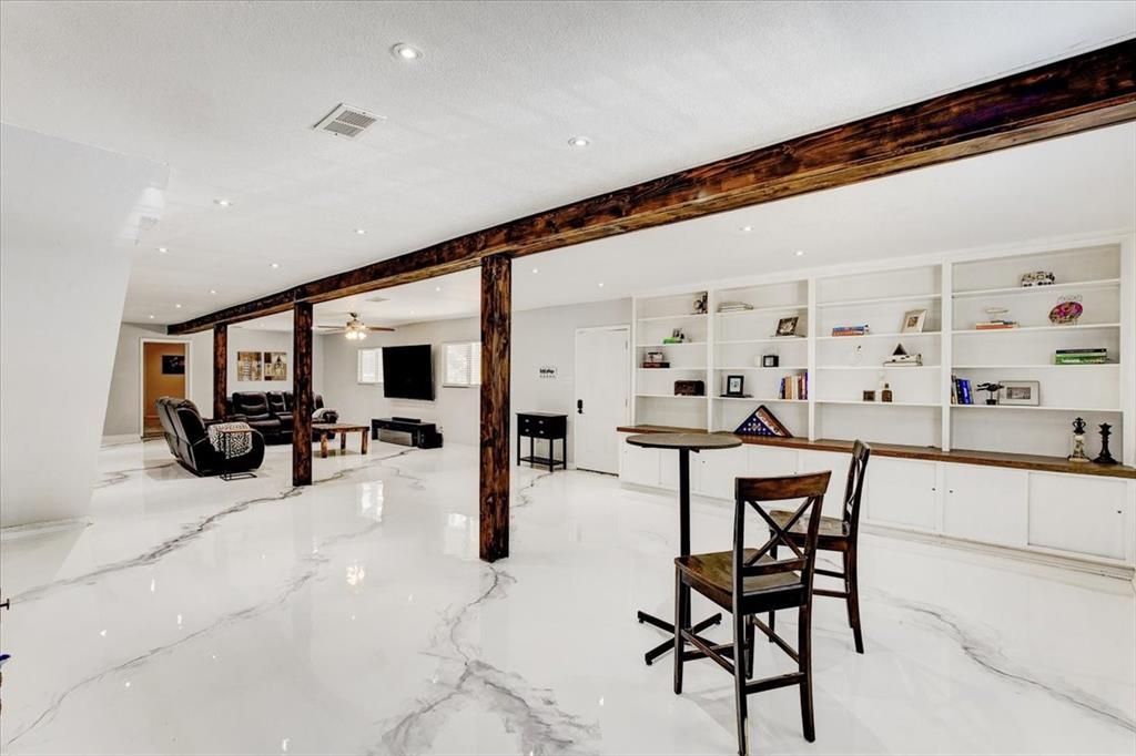 1112 Cooks  Lane, Fort Worth, Texas 76120 - acquisto real estate best prosper realtor susan cancemi windfarms realtor
