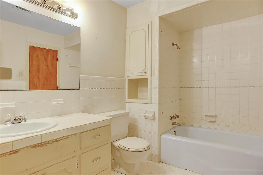 1713 Ridgeway  Drive, Sherman, Texas 75092 - acquisto real estate best investor home specialist mike shepherd relocation expert