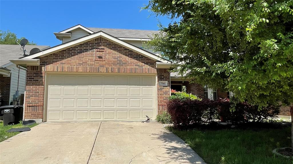 7561 Lazy Spur  Boulevard, Fort Worth, Texas 76131 - Acquisto Real Estate best plano realtor mike Shepherd home owners association expert