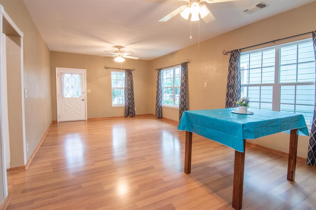 2512 Austin  Avenue, Brownwood, Texas 76801 - acquisto real estate best luxury buyers agent in texas shana acquisto inheritance realtor