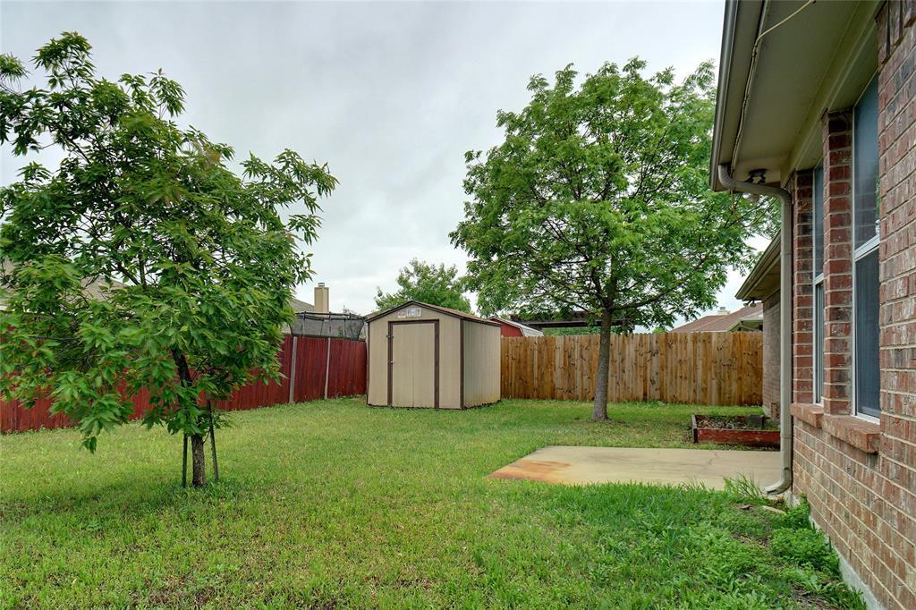 1015 Vinewood  Avenue, Burleson, Texas 76028 - acquisto real estate best frisco real estate agent amy gasperini panther creek realtor