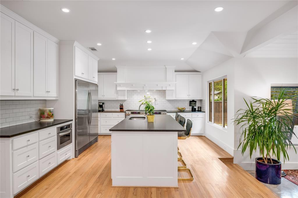 5004 Rexton  Lane, Dallas, Texas 75214 - acquisto real estate best real estate company in frisco texas real estate showings