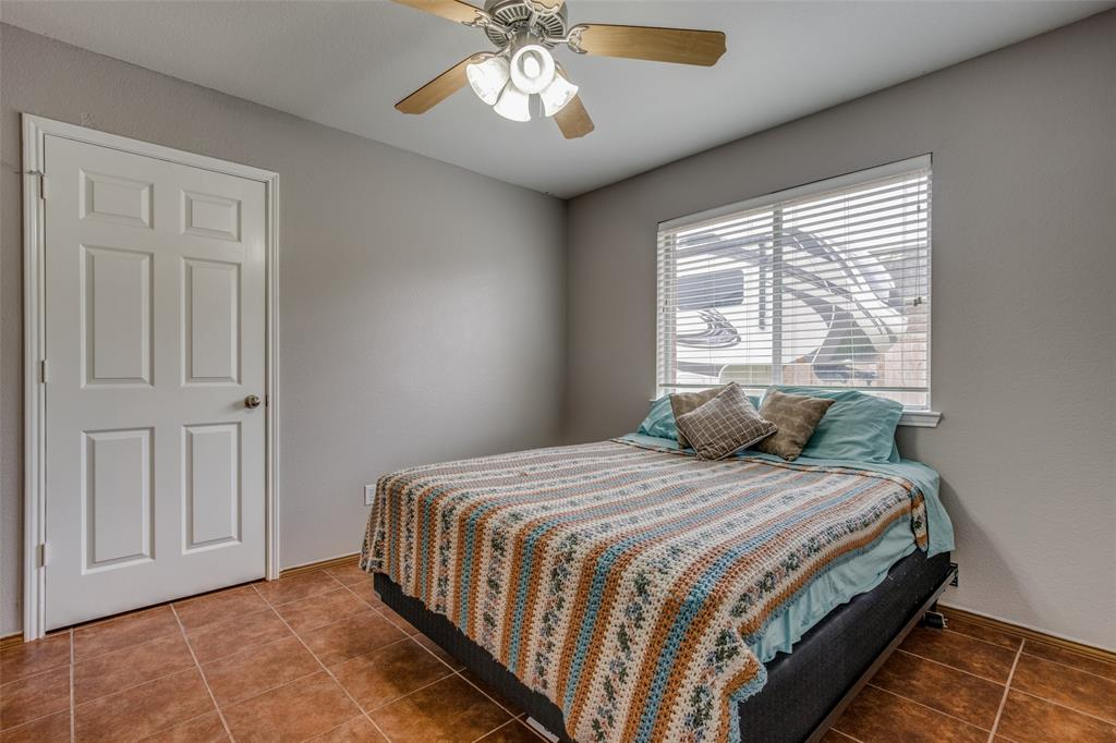 529 Kings Creek  Drive, Terrell, Texas 75161 - acquisto real estate best realtor foreclosure real estate mike shepeherd walnut grove realtor