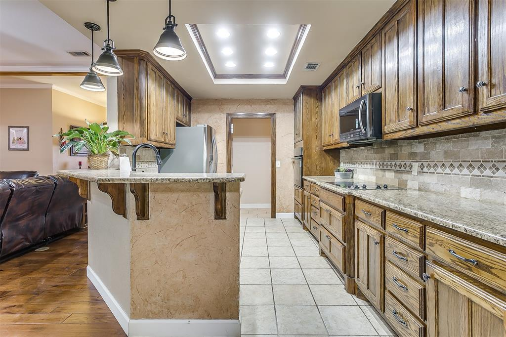 532 Forest Edge  Street, Burleson, Texas 76028 - acquisto real estate best photos for luxury listings amy gasperini quick sale real estate
