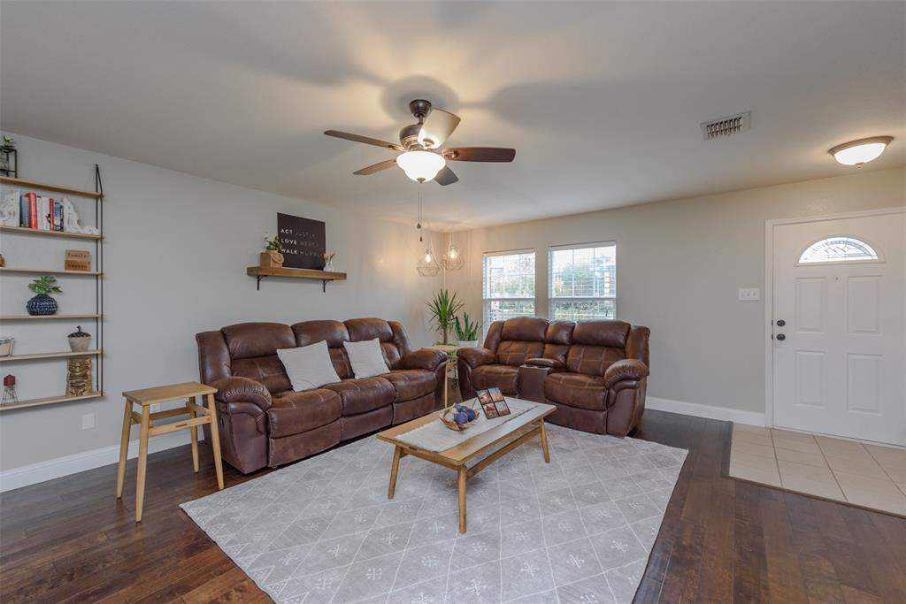 2921 Desert  Drive, Denton, Texas 76210 - acquisto real estate best luxury buyers agent in texas shana acquisto inheritance realtor