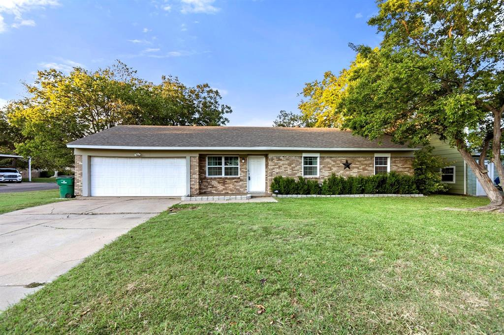 5701 Hanson  Drive, Watauga, Texas 76148 - acquisto real estate agent of the year mike shepherd