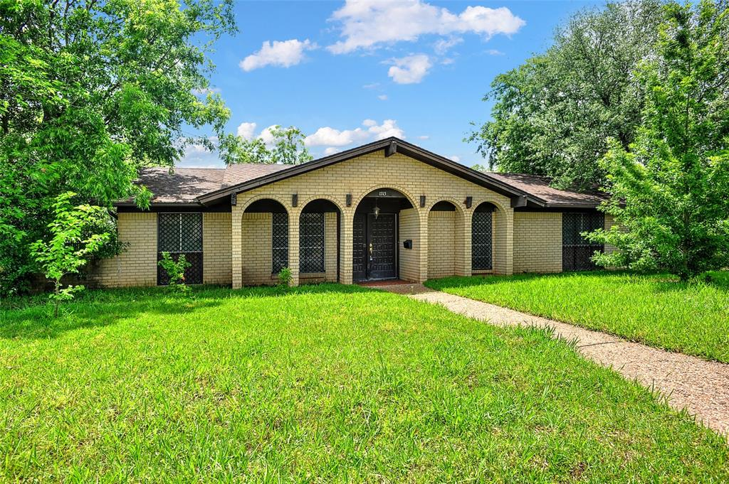 1713 Ridgeway  Drive, Sherman, Texas 75092 - acquisto real estate best allen realtor kim miller hunters creek expert