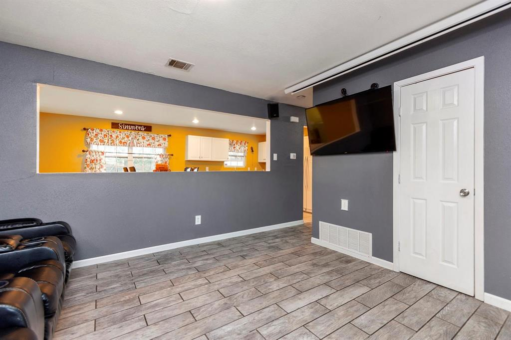 5701 Hanson  Drive, Watauga, Texas 76148 - Acquisto Real Estate best mckinney realtor hannah ewing stonebridge ranch expert