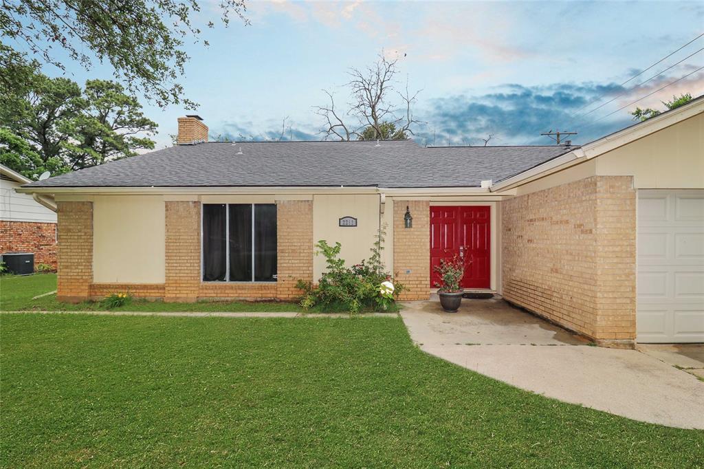 2211 Sanford  Street, Arlington, Texas 76012 - Acquisto Real Estate best plano realtor mike Shepherd home owners association expert