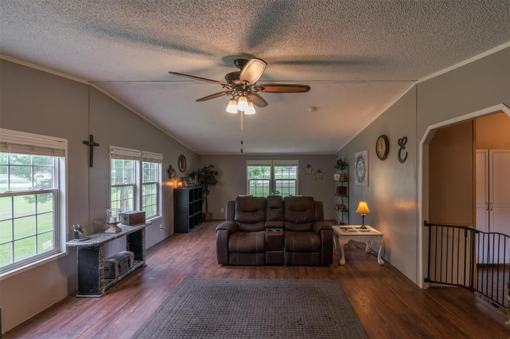 3360 Interstate Highway 30  Greenville, Texas 75402 - acquisto real estate best new home sales realtor linda miller executor real estate