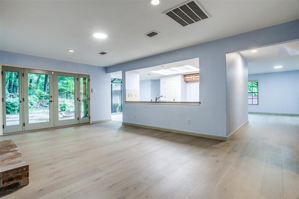 2403 Winding Hollow  Lane, Arlington, Texas 76006 - acquisto real estate best celina realtor logan lawrence best dressed realtor