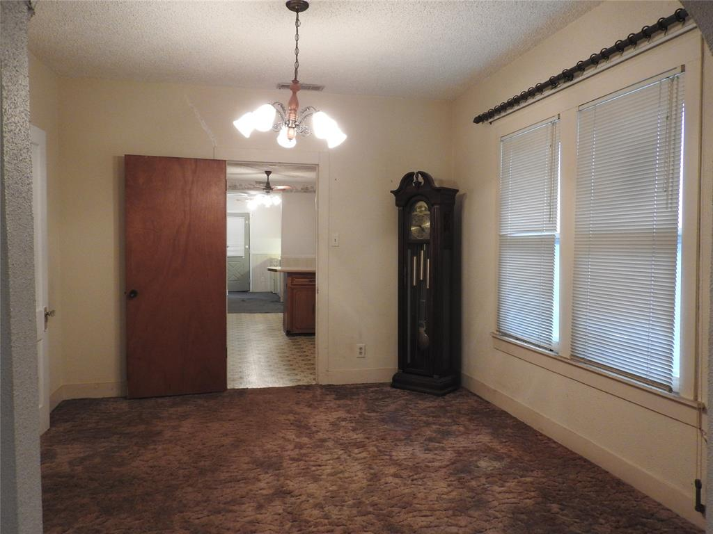 2521 Crystal  Drive, Balch Springs, Texas 75180 - acquisto real estate best celina realtor logan lawrence best dressed realtor